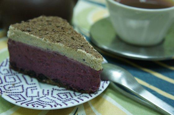 Тирольский миндально-смородиновый пирог от сыроедного ресторана