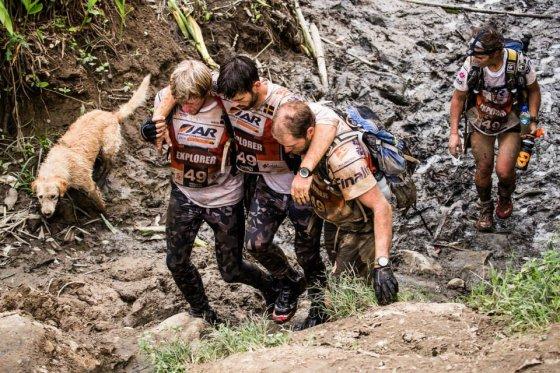 Бездомный пёс выиграл Чемпионат мира по приключенческим гонкам и нашёл  любящую семью