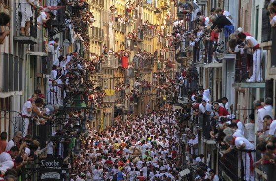 Акция против бега быков и корриды  в  Испании: фестиваль Сан-Фермин в Памплоне 2015