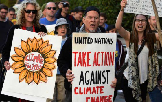 По всему миру прошли акции в преддверии климатического форума