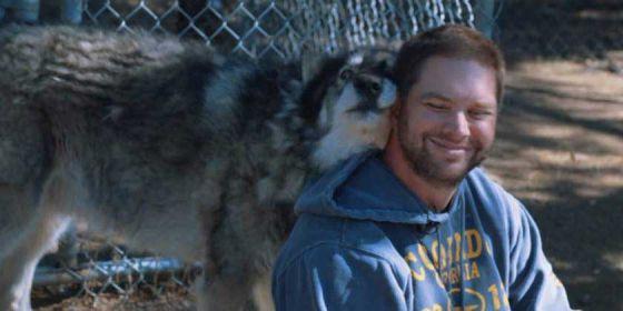 Волки  лечат  ветеранов от посттравматического расстройства