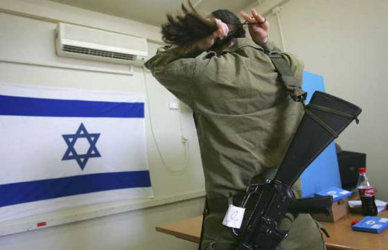 Веган из израильской армии  отказалась надеть невеганскую каску