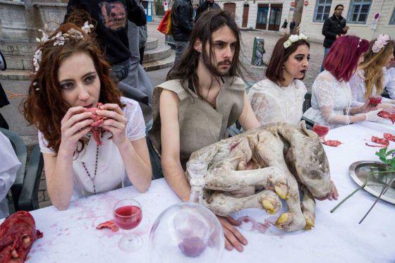 «Тайная вечеря» от 269 Life: в Лионе прошла акция против видовизма