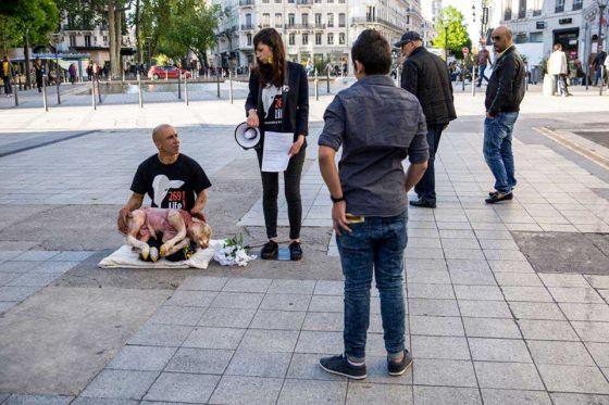 «Вы рождены, чтобы стать мясом»: акция  269 Life  в Лионе