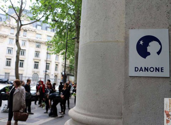Danone убивает: акция  269Life  в Париже