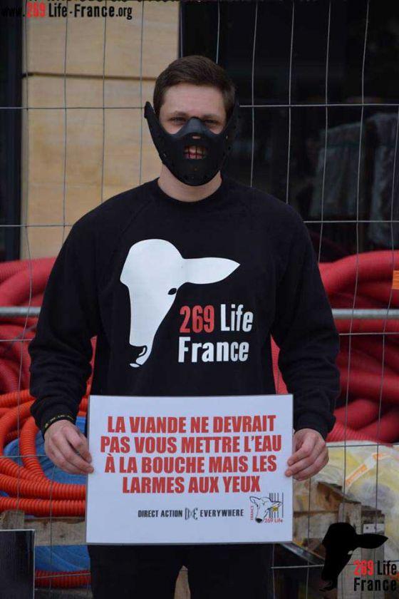Активисты 269 Life France провели акцию в  Меце против убийств животных