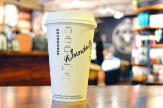 Starbucks  добавит в меню миндальное молоко