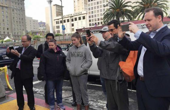Louis Vuitton убивает: ПЕТА провела акцию в защиту рептилий