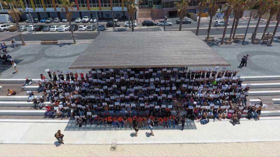 Громовое молчание:  в Тель-Авиве прошла акция против животного рабства
