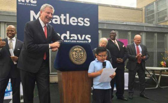 Мэр  Нью-Йорка ввёл «Понедельники без мяса» в 15 школах